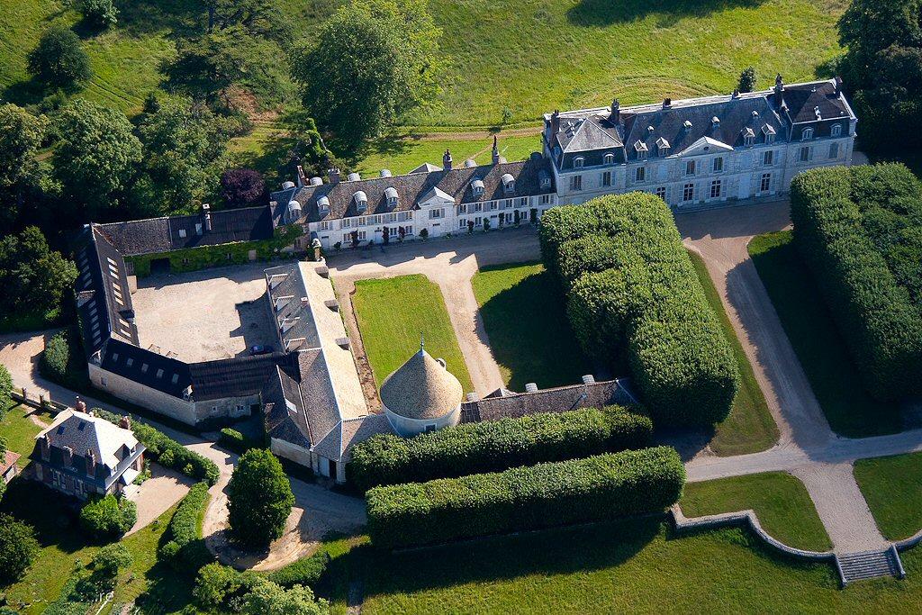 Comment gérer un château aux allures de village ?