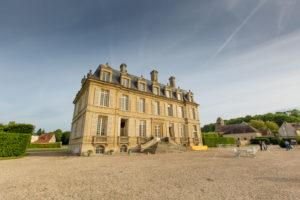 Comment restaurer un château historique en activité ?