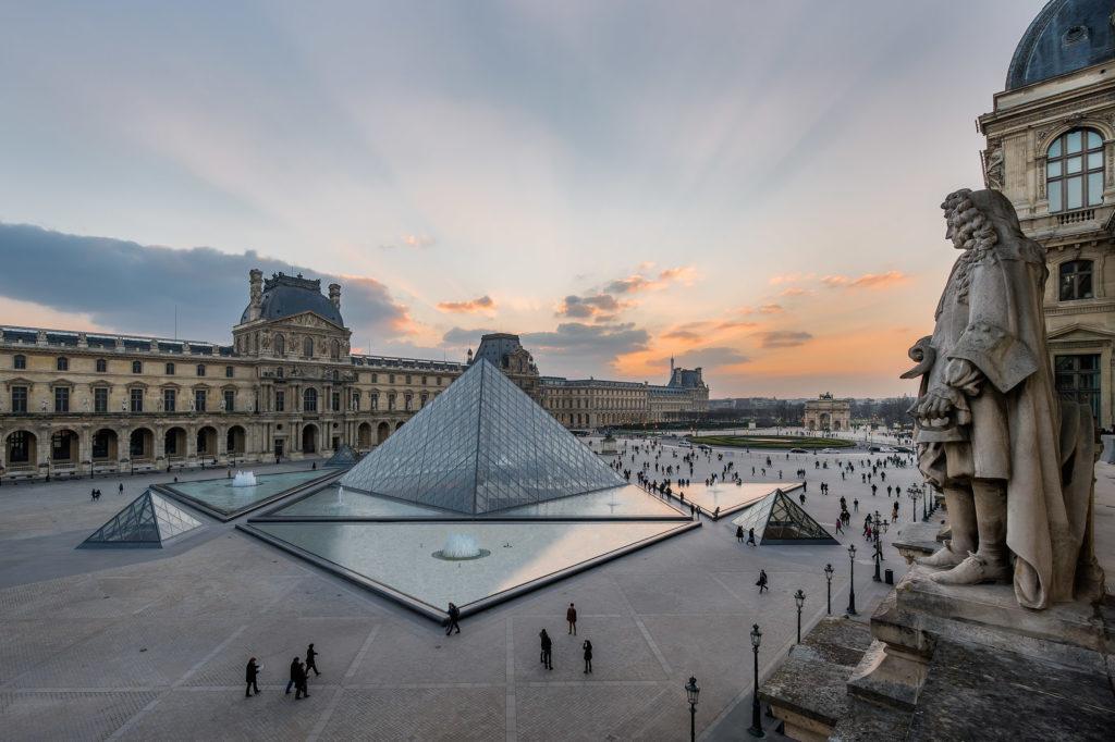 Une image contenant ciel, extérieur, bâtiment, pierre  Description générée automatiquement